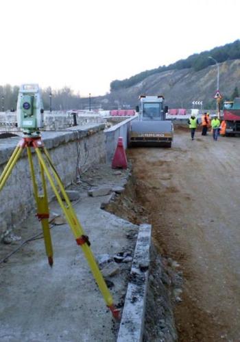 Movimiento de tierras en el Puente de Cabezón de Pisuerga